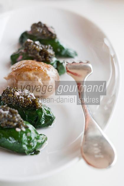 Europe/France/Aquitaine/33/Gironde/Bordeaux/Lormont: Salade d'huitres au caviar d'aquitaine et sa crépinette recette de Jean-Marie AMAT  restaurant : Le Prince Noir
