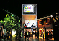 Nederland - Arnhem - 17 december 2017.  Het Nederlands Openluchtmuseum.In het Nederlands Openluchtmuseum in Arnhem is de Canon van Nederland te zien: een overzicht van de hele geschiedenis van ons land. De presentatie, die in samenwerking met het Rijksmuseum in Amsterdam tot stand kwam, toont hoogte- en dieptepunten uit de Nederlandse geschiedenis. Digitale media worden afgewisseld met historische objecten.   Foto Berlinda van Dam / Hollandse Hoogte