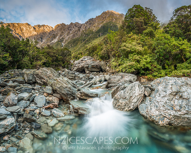 Wild Tekano Creek near Douglas Rock Hut in Copland Valley, Westland Tai Poutini National Park, West Coast, UNESCO World Heritage Area, South Westland, New Zealand, NZ