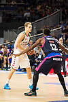 Laboral Kutxa's Jaka Blazic (I) and Movistar Estudiantes's Brandon Thomas during Liga Endesa ACB at Barclays Center in Madrid, October 11, 2015.<br /> (ALTERPHOTOS/BorjaB.Hojas)