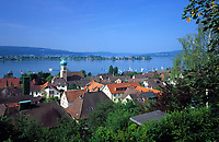 DEU, Deutschland, Baden-Wuerttemberg, Bodensee, Blick ueber Allensbach und den Gnadensee zur Halbinsel Reichenau | DEU, Germany, Baden-Wuerttemberg, Lake Constance, view across Allensbach and lake Gnadensee at peninsular Reichenau