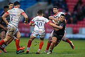 3rd February 2019, AJ Bell Stadium, Salford, England; Premiership Rugby Cup, Sale Sharks versus Newcastle Falcons; Josh Matavesi of Newcastle Falcons avoids a tackle by Kieran Wilkinson of Sale Sharks