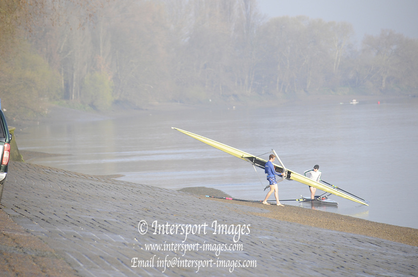Putney. London. Tideway Week build up to the   2011 University Boat Race over parts of the Championship Course - Putney to Mortlake. General View, GV, Scullers boat in the early morning light. Wednesday 23/03/2011  [Mandatory Credit; Karon Phillips/Intersport-images].. 2011 Tideway Week