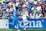 Cristiano Ronaldo of Real Madrid (R) fights for the ball with Damian Nicolas Suarez Suarez of Getafe CF (L) during the La Liga 2017-18 match between Getafe CF and Real Madrid at Coliseum Alfonso Perez on 14 October 2017 in Getafe, Spain. Photo by Diego Gonzalez / Power Sport Images