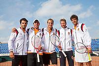 10-09-12, Netherlands, Amsterdam, Tennis, Daviscup Netherlands-Swiss, training, the Dutch Davis cup Team l.t.r.: Jean-Julian Rojer Igor Sijsling, Thiemo de Bakker, captain Jan Siemerink en kopman Robin Haase