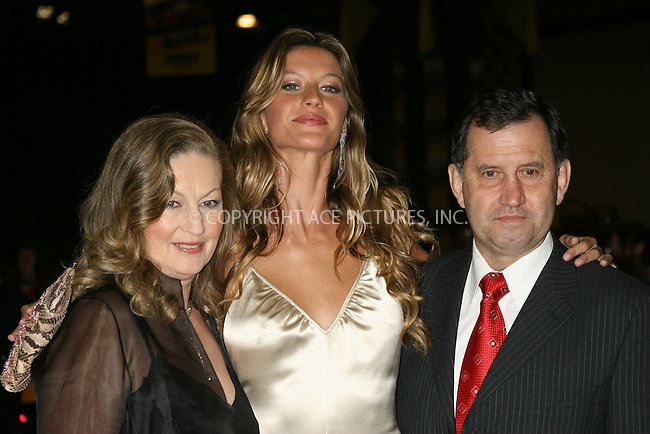 "October 2, 2004- Gisele Bundchen and her parents at the premiere of ""Taxi"" held at The Jacob Javits Center in New York City."