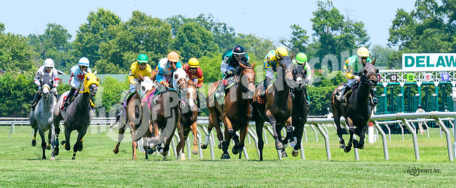 Big Platinum winning at Delaware Park on 7/10/17