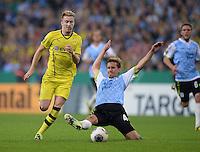 FUSSBALL   DFB POKAL 2. RUNDE   SAISON 2013/2014 TSV 1860 Muenchen - Borussia Dortmund         24.09.2013 Marco Reus (li, Borussia Dortmund) gegen Kai Buelow (1860 Muenchen)