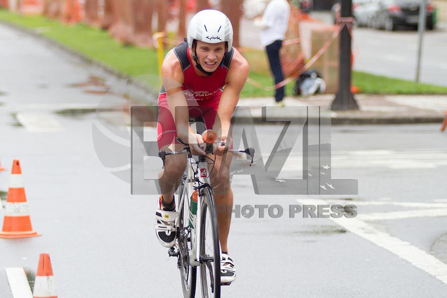 SANTOS, SP, 25.10.2015 - TRIATHLON-SP- 5ª Etapa Troféu Brasil de Triathlon, realizada na para da Aparecida em Santos, litoral de São Paulo do neste domingo, 25. (Foto: Flavio Hopp / Brazil Photo Press)