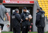 Assistant coach Scott McLeod (centre). All Blacks training at Westpac Stadium in Wellington, New Zealand on Thursday, 14 June 2018. Photo: Dave Lintott / lintottphoto.co.nz