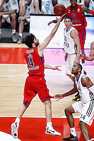 Real Madrid's Marcus Slaughter (r) and CSKA Moscow's Milos Teodosic during Euroleague 2012/2013 match.January 31,2013. (ALTERPHOTOS/Acero)