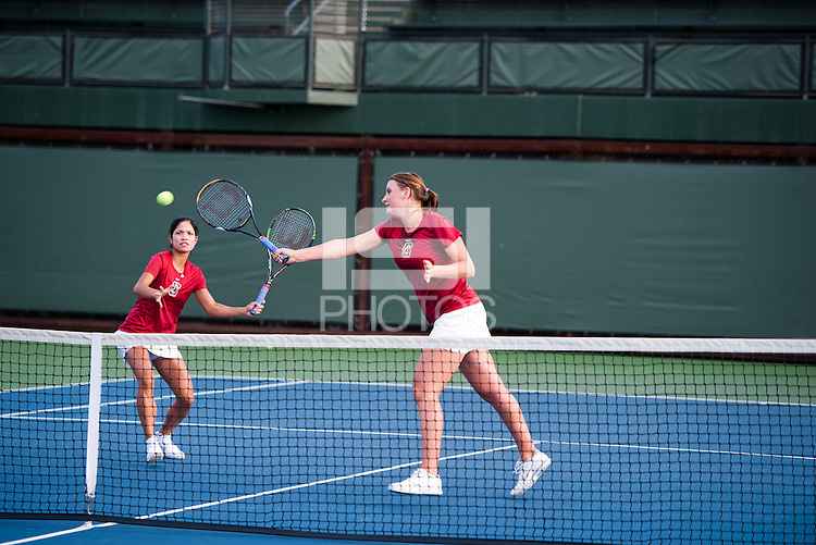 Hilary Barte (L) and Mallory Burdette (R) of the 2010 Stanford women's Tennis Team.