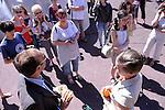 HISTOIRES CACH&Eacute;ES <br /> Conception : Karin Holmstr&ouml;m, Dion Doulis, Erika Latta<br /> Mise en sc&egrave;ne / sound design : Erika Latta<br /> Com&eacute;diens :<br /> Dion Doulis<br /> Herv&eacute; Cristianini<br /> Karin Holmstr&ouml;m<br /> Philippe Laliard<br /> Nolwenn Moreau<br /> Syst&egrave;me diffusion son : Fabrice Gallis assist&eacute; de Philippe Laliard<br /> Musique originale : Peter G. Holmstr&ouml;m<br /> Musiciens (enregistr&eacute;s) :<br /> Beno&icirc;t Campens<br /> Philippe Laliard<br /> Nolwenn Moreau<br /> S&eacute;bastien Smither<br /> Texte : cr&eacute;ation collective avec extraits de Mani&egrave;re de Jo&euml;l Bastard (&copy; Editions Gallimard)<br /> Le 26/05/2012<br /> Ville : Thorigny sur Marne<br /> Cadre : Festival Printemps de paroles<br /> &copy; Laurent Paillier / photosdedanse.com