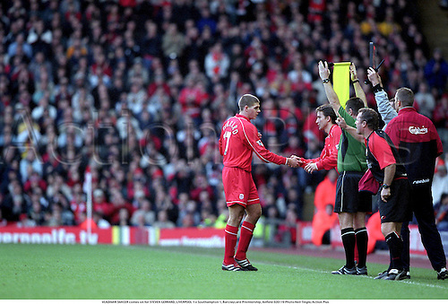 VLADIMIR SMICER comes on for STEVEN GERRARD, LIVERPOOL 1 v Southampton 1, Barclaycard Premiership, Anfield 020119 Photo:Neil Tingle/Action Plus...2002.Soccer.Football.Premier League.Substitution substitutes substitute.sportsmanship.association.english club clubs