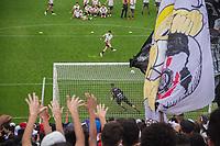 SÃO PAULO,SP,16.10.2018 - FUTEBOL-CORINTHIANS - Torcedores do Corinthians durante treino na Arena Corinthians na zona leste da cidade de São Paulo, no bairro de Itaquera nesta terça-feira, 16. (Foto: Danilo Fernandes/Brazil Photo Press)