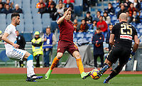 Roma&rsquo;s Stephan El Shaarawy, center, is challenged by Napoli's Elseid Hysaj, left, and goalkeeper Pepe Reina during the Italian Serie A football match between Roma and Napoli at Rome's Olympic stadium, 4 March 2017. <br /> UPDATE IMAGES PRESS/Riccardo De Luca