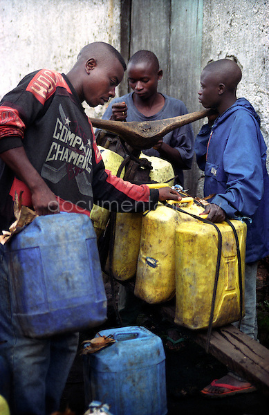 Sellers of traditional local beer in Goma, DRC..Copyright: Magali Corouge/Documentography