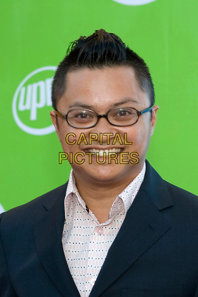 ALEC MAPA.UPN Summer Press Tour Party .Paramount Studios.Los Angeles, 21st July 2005.portrait headshot glasses navy jacket white pattern shirt.www.capitalpictures.com.sales@capitalpictures.com.© Capital Pictures.