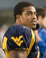 11 November 2006: West Virginia running back Steve Slaton..The West Virginia Mountaineers defeated the Cincinnati Bearcats 42-24 on November 11, 2006 at Mountaineer Field, Morgantown, West Virginia..