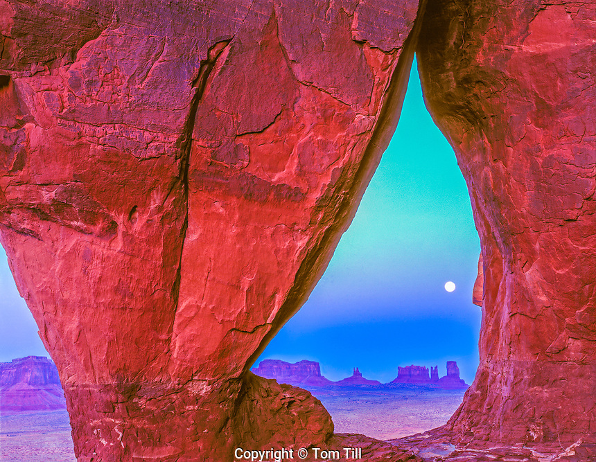 Moonrise at Teardrop Arch, Monument Valley Tribal Park, Utah/Arizona    Navajo Reservation