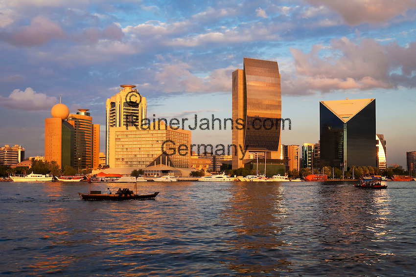 United Arab Emirates, Dubai: View over the Dubai Creek with the National Bank of Dubai building, the Sheraton Dubai Hotel and Dubai
