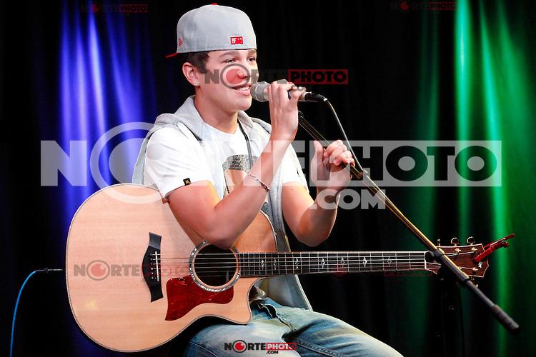 Austin Mahone visits Q102's iHeart Radio Performance Theater in Bala Cynwyd, Pa on August 20, 2012  © Star Shooter / MediaPunchInc /NortePhoto.com<br /> <br /> **SOLO*VENTA*EN*MEXICO**<br /> **CREDITO*OBLIGATORIO**<br /> *No*Venta*A*Terceros*<br /> *No*Sale*So*third*<br /> *** No Se Permite Hacer Archivo**<br /> *No*Sale*So*third*