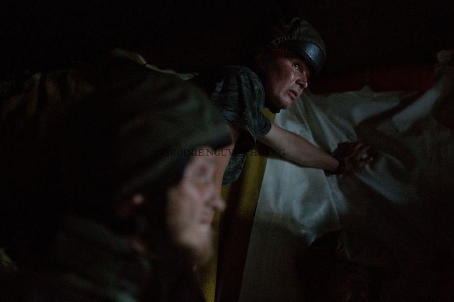 UKRAINE, Shyrokyne:The shelter to avoid to be hit by shrapnel is just big enough for the 12 soldiers of the trenches. <br /> <br /> UKRAINE, Shyrokyne: L'abri pour &eacute;viter d'&ecirc;tre touch&eacute; par des &eacute;clats d'obus est juste assez grand pour les 12 soldats de la tranch&eacute;es de Shyrokyne.