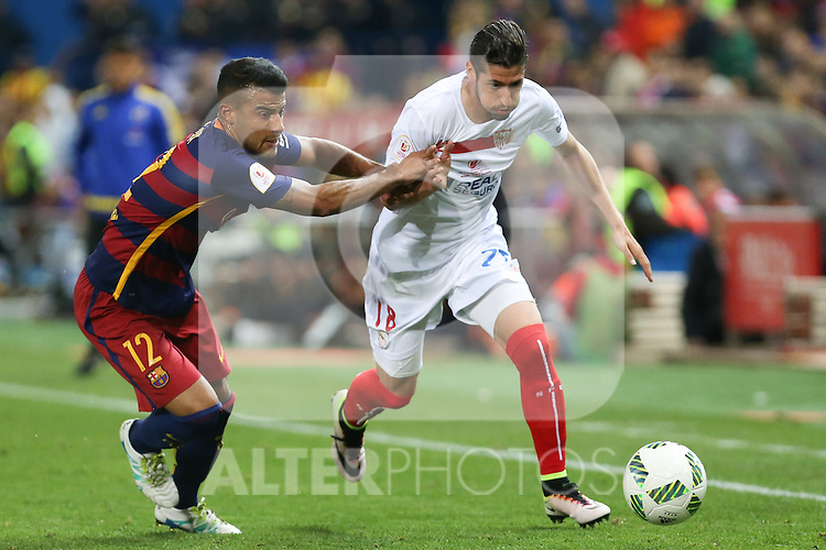FC Barcelona's Rafinha (L) and Sevilla CF's Escudero (R)  during Spanish Kings Cup Final match. May 22,2016. (ALTERPHOTOS/Rodrigo Jimenez)