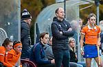 HUIZEN - Hockey - coach Teun de Nooijer (Bldaal) Hoofdklasse hockey competitie, Huizen-Bloemendaal (2-1) . COPYRIGHT KOEN SUYK