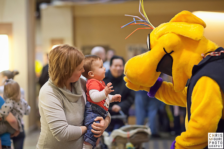 02/12/12 - Kalamazoo, MI: Kalamazoo Baby & Family Expo.  Photo by Chris McGuire.  R#25