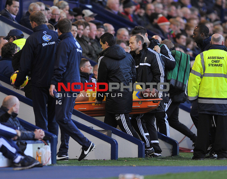 Crystal Palace's Adl&egrave;ne Gu&eacute;dioura goes off on a stretcher - 02/11/2013 - SPORT - FOOTBALL - The Hawthorns - West Bromwich - West Bromwich Albion v Crystal Palace - Barclays Premier League<br /> Foto nph / Meredith<br /> <br /> ***** OUT OF UK *****