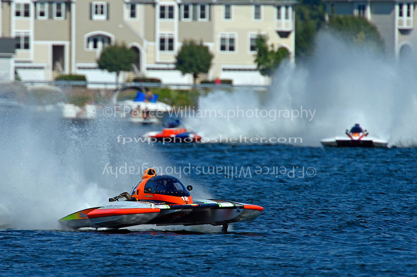 """Bobby King, E-2 """"Pleasure Seekers"""", Richard Haineault, H-2 """"Miss Beauharnois"""" and John Shaw, E-1 """"TM Special"""" (5 Litre class hydroplane(s)"""