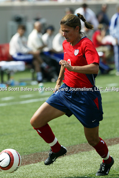 6 June 2004: Mia Hamm during the first half. The United States tied Japan 1-1 at Papa John's Cardinal Stadium in Louisville, KY in an international friendly soccer game..