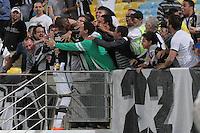 RIO DE JANEIRO, RJ, 05.09.2013 -  Hyuri do Botafogo comemora seu segundo gol durante a partida contra o Coritiba, nesta quinta-feira, pela décima oitava rodada do Campeonato Brasileiro no Estádio do Maracanã. (Foto. Néstor J. Beremblum / Brazil Photo Press).