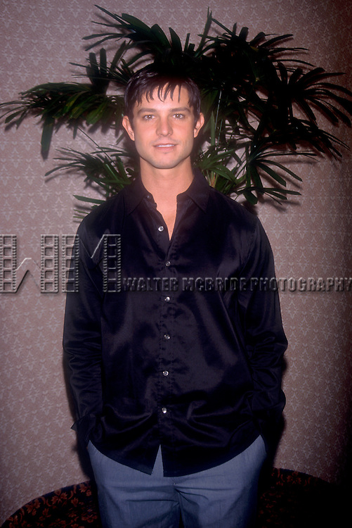 © WALTER McBRIDE / RETNA LTD, USA...JASON BEHR   5/16/2000.STAR OF ROSWELL, ATTENDS THE WB TV UPFRONT PARTY.AT THE SHERATON HOTEL, NYC..CREDIT ALL USES