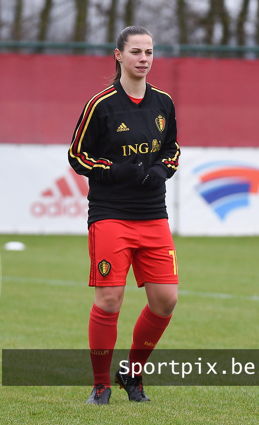 20190206 - TUBIZE , BELGIUM : Belgian Ilona Thibaux pictured during the friendly female soccer match between Women under 17 teams of  Belgium and The Netherlands , in Tubize , Belgium . Wednesday 6th February 2019 . PHOTO SPORTPIX.BE DIRK VUYLSTEKE