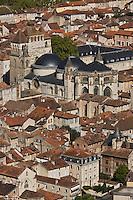 Europe/France/Midi-Pyrénées/46/Lot/Cahors: vue sur les toits de la vieille ville et la cathédrale St-Etienne