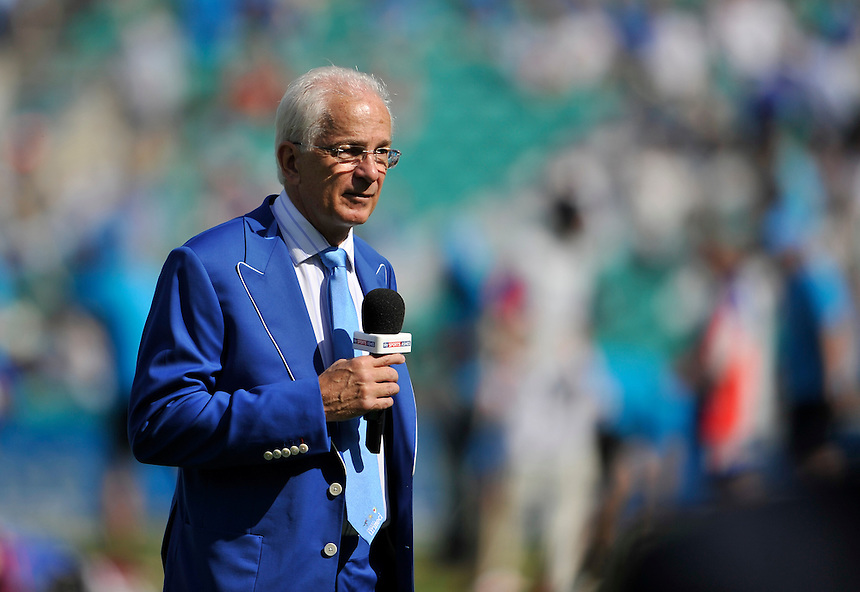 David Gower - ex England international and now Sky commentator in a blue suit for Cricket United day at The Oval<br /> <br /> Photographer Ashley Western/CameraSport<br /> <br /> International Cricket - Investec Ashes Test Series 2015 - Fifth Test - England v Australia - Day 3 - Saturday 22nd August 2015 - Kennington Oval - London<br /> <br /> &copy; CameraSport - 43 Linden Ave. Countesthorpe. Leicester. England. LE8 5PG - Tel: +44 (0) 116 277 4147 - admin@camerasport.com - www.camerasport.com