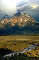 Sunrise, Snake River Overlook, Grand Teton National Park, Wyoming. Wyoming, Snake River Overlook, Grand Teton National Park.