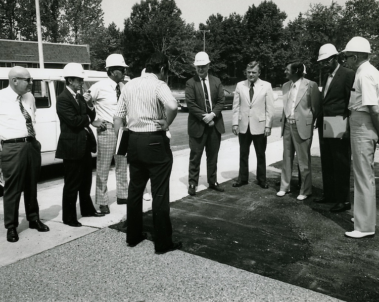 1973 July 30....Commissioner's Tour - Diesel Court..Millard Arnold.NEG#MDA73-49-1..
