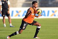 SÃO PAULO,SP, 12 julho 2013 -  Edenilson  durante treino do Corinthians no CT Joaquim Grava na zona leste de Sao Paulo, onde o time se prepara  para para enfrenta o Atletico MG pelo campeonato brasileiro . FOTO ALAN MORICI - BRAZIL FOTO PRESS