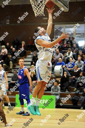 2013-12-08 / Basketbal / seizoen 2013-2014 / Kangoeroes - Pepinster / Wim Dobbelaere met een gemakkelijke score voor Kangoeroes.<br /><br />Foto: Mpics.be