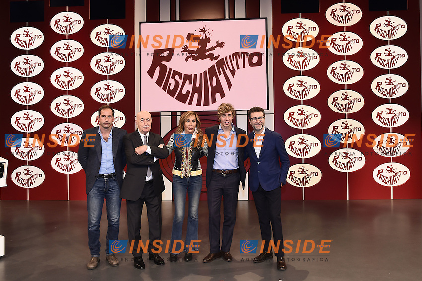Milano 24/10/2016 - photocall trasmissione Tv ' Rischiatutto' / foto Daniele Buffa/Image/Insidefoto  <br /> nella foto: Fabio Fazio-Ludovico Peregrini-Niccolo' Bongiorno-Daniela Zuccoli-Leonardo Bongiorno