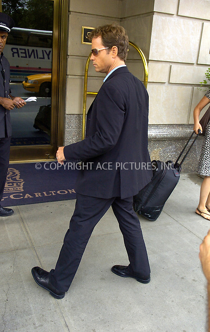 WWW.ACEPIXS.COM ** ** ** ....NEW YORK, JULY 19, 2005....Greg Kinnear takes a moment to sign for fans outside his midtown hotel.....Please byline: Philip Vaughan -- ACE PICTURES... *** ***  ..Ace Pictures, Inc:  ..Craig Ashby (212) 243-8787..e-mail: picturedesk@acepixs.com..web: http://www.acepixs.com