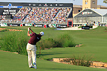Lee Westwood plays his 2nd shot into the 18th green during the Final Day of the Dubai World Championship, Earth Course, Jumeirah Golf Estates, Dubai, 28th November 2010..(Picture Eoin Clarke/www.golffile.ie)