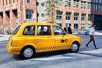 Nederland Amsterdam  2016 05 12. TCA Taxi op de Zuidas. Elektrische taxi. Foto Berlinda van Dam / Hollandse Hoogte