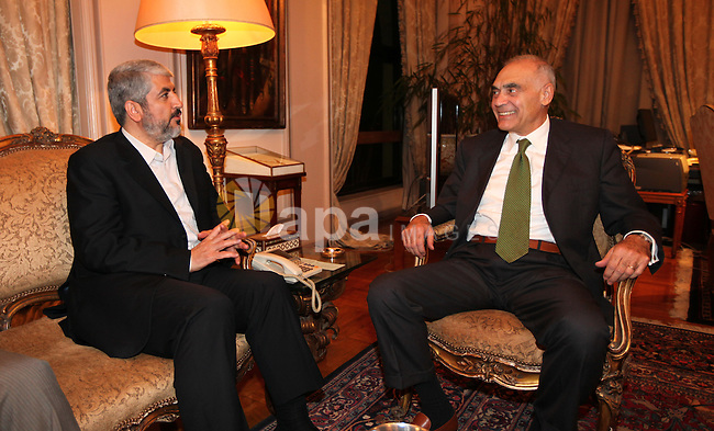 Palestinian Hamas leader Khaled Meshaal meets with  the Minister of Foreign Affairs of Arab Republic of Egypt, Mohamed Kamel Amr, at the headquarters of the Foreign Ministry in Cairo on Aug. 17, 2011. Photo by Emad M Ishtaiwi