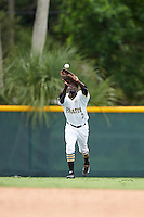 GCL Pirates left fielder Luis Benitez (2) catches a fly ball during a game against the GCL Phillies on August 6, 2016 at Pirate City in Bradenton, Florida.  GCL Phillies defeated the GCL Pirates 4-1.  (Mike Janes/Four Seam Images)