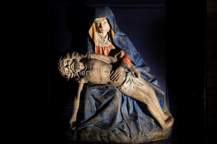 France, Tarn-et-Garonne (82), Moissac, abbaye Saint-Pierre, classé patrimoine mondial de l'UNESCO, dans l'église, Pieta // France, Tarn et Garonne, Moissac, Saint Pierre Abbey, listed as World Heritage by UNESCO, in the church, Pieta