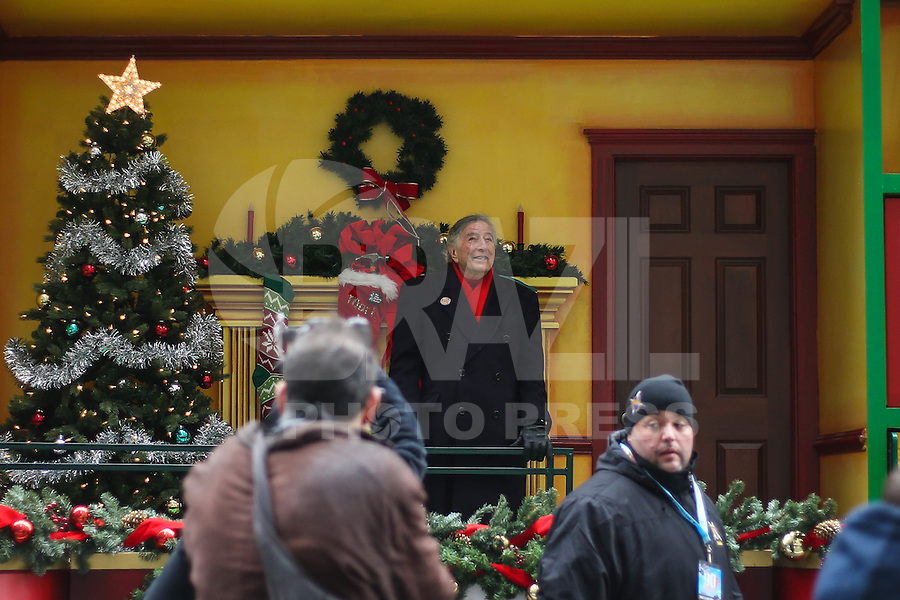 NEW YORK, NY, 24.11.2016 - PARADA-MACYS - Tony Bennett acompanha Macy's Thanksgiving Parade no dia Dia de Ação de Graças na cidade de New York nos Estados Unidos nesta quinta-feira, 24. (Foto: Vanessa Carvalho/Brazil Photo Press)